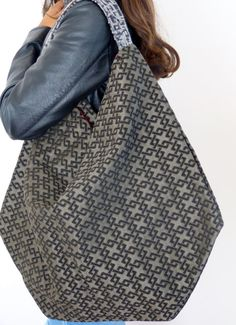 Glamorous women's fabric shoulder bag slouchy hobo bag by #vquadroitaly #valeriafittipaldi #hobo #unique #purses #lightweight