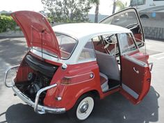 Bid for the chance to own a 1958 BMW Isetta 600 at auction with Bring a Trailer, the home of the best vintage and classic cars online. Bmw Classic Cars, Classic Cars Online, Bmw Isetta, Bmw M6, Microcar, Miniature Cars, Bmw Motorcycles, Unique Cars, Small Cars