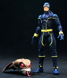 Marvel Legends Queen Brood Series Cyclops  // Pinned by: Marvelicious Toys - The Marvel Universe Toy & Collectibles Podcast [ m a r v e l i c i o u s t o y s . c o m ]