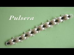 # DIY - Pulsera triple parte # DIY - Triple Bracelet part Beaded Bracelets Tutorial, Necklace Tutorial, Beaded Bracelet Patterns, Woven Bracelets, Beaded Necklace, Diy Bracelet, Flower Bracelet, Diy Schmuck, Schmuck Design