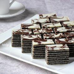 Rozen kolač sa makom i čokoladom – Mystic Cakes Baking Recipes, Cake Recipes, Dessert Recipes, Köstliche Desserts, Delicious Desserts, Croation Recipes, Cake Slicer, Coconut Chocolate Chip Cookies, Macaron Cookies