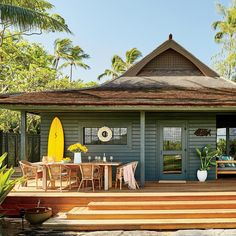 This Hip Maui Bungalow Is a Surfer's Paradise Surf Shack, Beach Shack, Beach Cottage Style, Beach Cottage Decor, Hawaiian Homes, Surf House, Beach House Plans, Dream Beach Houses, Maui Hawaii