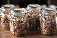 Pitsiniekka | Home Made Christmas Granola Granola, Pesto, Mason Jars, Homemade, Cooking, Sweet, Christmas, Kitchen, Candy