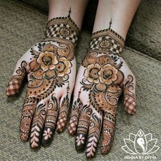 Henna is the most traditional part of weddings throughout India. Let us go through the best henna designs for your hands and feet! Cool Henna Designs, Rose Mehndi Designs, Wedding Mehndi Designs, Beautiful Henna Designs, Mehndi Designs For Fingers, Latest Mehndi Designs, Pakistani Mehndi Designs, Hena Designs, Stylish Mehndi Designs