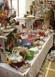 The Cotswolds Vintage Fair...looks like a fun, fun, fun show to go to!