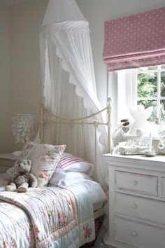 Pretty bedroom for the little girl in ones life