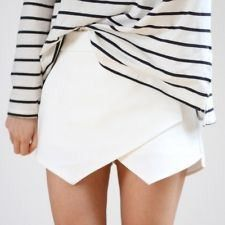 Envelope skirt and Breton stripe combo Hipster Grunge, Mini Shorts, Mode Style, Style Me, Envelope Skirt, Culotte Shorts, Fashion Models, Fashion Outfits, Stripes