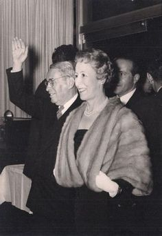 """Bertha Hernández Fernández (17 April 1907–11 September 1993)[1] was the wife of the 17th President of Colombia, Mariano Ospina Pérez, and served as First Lady of Colombia from 1946 to 1950.""--Wikipedia ---Photo: http://www.revistacredencial.com/credencial/historia/temas/mujeres-tras-las-bambalinas-del-poder-de-lorencita-de-santos-bertha-de-ospinabanquete de desagravio ofrecido a Eduardo Santos Montejo"
