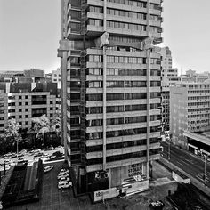 The tales behind Johannesburg's skyscrapers Art Deco Buildings, Floor Art, Back In Time, South Africa, Modern, Multi Story Building, Mid Century, Skyscrapers, This Or That Questions