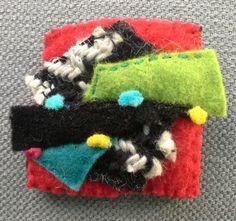 Broche/Composition textile multicolore. Esprit par VeronikB sur Etsy