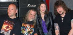 Fossil   A Classic Rock Band from Monroe,La.  Members are:  Jessica Shelton - Vocals/ Mark Nash - Guitar, Vocals/ Tommy Spann - Bass, Vocals/ James Buckley - Drums                                                        https://www.facebook.com/pages/Fossil1/293933757359581