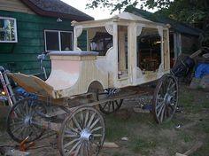 Halloween hearse build by Halloween Forum member.