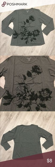 Talbots petite long sleeve floral tee This is a long sleeve tee with black floral design. In fabulous condition. The brand is Talbots, size large petite Talbots Tops Tees - Long Sleeve