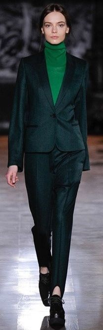 Who doesn't love stirrup pants? Stella Macartney PFW 2014
