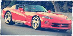 Learn all about Cars in the 1990s on RetroWaste! Pictures, year-by-year breakdowns and much more!