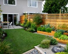 Small garden landscape designs for small backyard with outdoor dining furniture The most important challenge in small garden design is the space, small space Backyard Vegetable Gardens, Small Backyard Landscaping, Vegetable Garden Design, Backyard Fences, Outdoor Gardens, Backyard Ideas, Landscaping Ideas, Small Patio, Fence Ideas