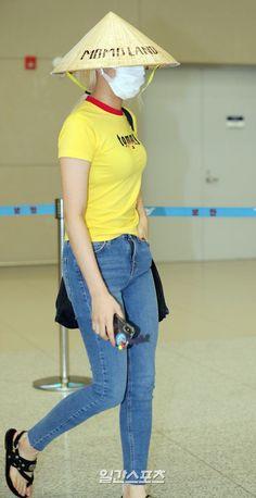 """트위터의 모모랜드 MOMOLAND 님: """"180901 Jooe @ Incheon Airport #모모랜드 #MOMOLAND #주이 #JOOE… """""""