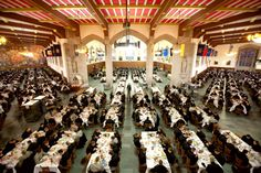 West Point Mess Hall inside Washington Hall - The entire corps of over cadets are all served at once! United States Military Academy, Washington, Special Pictures, Military Veterans, Travel Memories, Military History, So Little Time, Great Photos, Places Ive Been