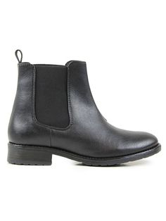 This pair of timeless black faux leather Chelsea boots have been made using burnished Italian faux leather microfibre uppers. Water resistant and breathable these Chelsea Boots feature side gussets in tonal stretch fabric with stitching detail. Leather Chelsea Boots, Black Faux Leather, Moda Outfits, Outfits Otoño, Travel Outfits, Nordstrom Boots, Vegan Store, Vegan Boots, Zapatos