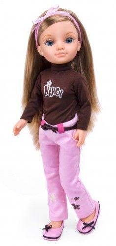 Nancy Vestidos Glamurosos: marrón y rosa. #Nancy #dolls #muñecas #poupeés #juguetes #toys #bonecas #bambole #ToyStore Nancy Doll, Pink Brown, Fashion Dolls, American Girl, Love Fashion, Personal Style, Barbie, Graphic Sweatshirt, Kimono