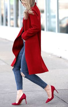 Love these red shoes and trench coat combination for the fall weather   keeping warm and looking hot on the streets