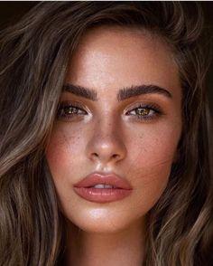 Natural Makeup For Brown Eyes, Natural Eyes, Natural Makeup Looks, Simple Makeup, Prom Make Up Natural, Natural Bridal Makeup, Natural Beauty, Light Makeup Looks, Natural Summer Makeup