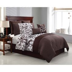 Elegance is at its best with this eight-piece Shadow Vine comforter set.