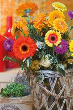 Colourful gerberas bouquet #orangegerberas #redgerberas #inspiration #colouredbygerbera #dutchgerbera