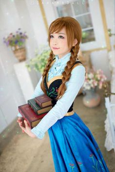 frozen, cosplay, and anna image Frozen Cosplay, Elsa Cosplay, Cosplay Anime, Disney Cosplay, Cute Cosplay, Amazing Cosplay, Cosplay Outfits, Cosplay Girls, Frozen Costume