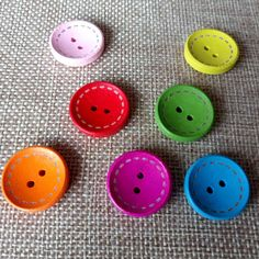 40 off 25mm x 20mm Wooden Butterfly Buttons 2 Holes Natural Effect
