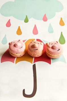 Piggy Macarons with Vanilla Bean Butter Icing. #macarons