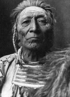 Bull Tongue (c. 1838 - ? ) - Apsaroke (Crow) warrior - Photo by Edward S. Curtis - 1908 - (B/W copy)