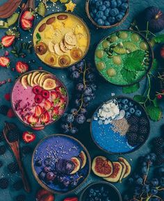 Rainbow smoothie bowls 🌈which one would you choose? It's easy as adding 1 tsp of Pink Pitaya, Beetroot, Blue Spirulina and Black Goji Berry powder to your everyday breakfast 💜💖❤💙 @laurafruitfairy Shop our superfoods here: www.unicornsuperfoods.com