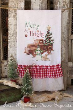 Christmas Flour Sack Kitchen Towel by SweetMagnoliasFarm on Etsy Christmas Kitchen, Cozy Christmas, Country Christmas, All Things Christmas, Christmas Stockings, Christmas Towels, Primitive Christmas, Sweet Magnolia, Magnolia Farms