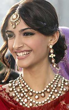 10 Fabulous Engagement Hairstyles inspired from Sonam Kapoor wedding engagement . wedding and engagement hairstyles 2019 - Sonam Kapoor Hairstyles, Bollywood Hairstyles, Indian Wedding Hairstyles, Party Hairstyles, Celebrity Hairstyles, Office Hairstyles, Anime Hairstyles, Stylish Hairstyles, Hairstyles Videos