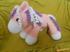 poník Pet Toys, Crochet Toys, Diy And Crafts, Dinosaur Stuffed Animal, Baby Shoes, Projects To Try, Homemade, Dolls, Knitting