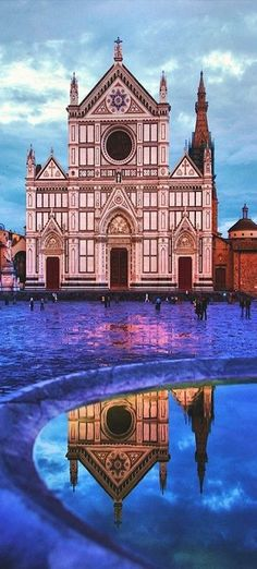 Basilica of Santa Croce, Florence absolute gorgeous! in love with Florence. My favorite church in Florence ! Places Around The World, Oh The Places You'll Go, Places To Travel, Around The Worlds, Florence Tuscany, Tuscany Italy, Italy Italy, Sorrento Italy, Capri Italy
