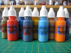 Has Games Workshop/Citadel Miniatures finally come to their senses and started releasing paints in convenient, air-tight dropper bottles? Hardly. But frust