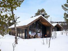 Nyoppført, lekker hytte levert av Sjemmdalhytta | FINN.no Italy House, Mountain Homes, Ski Chalet, Dream Home Design, Small House Plans, Cabins In The Woods, Home Fashion, Cottage Homes, Future House