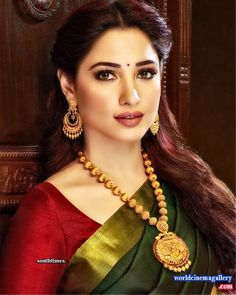 Tamanna latest Green Saree Stills Gold Haram Designs, Gold Mangalsutra Designs, Gold Earrings Designs, Necklace Designs, Real Gold Jewelry, Fancy Jewellery, Gold Jewellery Design, Gold Set Design, Indian Bridal Hairstyles
