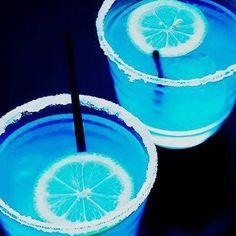 Things That Make Your Poop Turn Blue: Neon Blue Drinks <3
