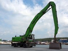File:Sennebogen 835 crane at VEJLE habor, pic2.JPG