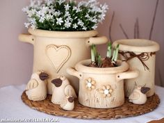 Hrnec Pottery Pots, Ceramic Pottery, Ceramic Art, Ceramics Projects, Black Women Art, Spring Crafts, Female Art, Container Gardening, Terracotta