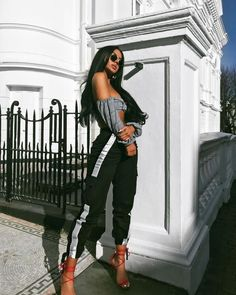 32 Love Street Style Ideas For Ending Your Winter - Luxe Fashion New Trends Mode Outfits, Fashion Outfits, Womens Fashion, Fashion Trends, Fashion Fashion, Fashionista Trends, 30 Outfits, Indie Fashion, Hipster Fashion