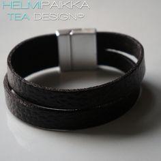 Musta nahkarannekoru