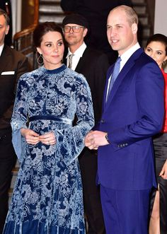 Kate Middleton Takes Another High Fashion Risk and Skips Maternity Wear  Again. Prince William Kate Middleton Sweden ... 6dcec31a1236