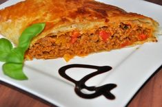 Fleischstrudel Potluck Recipes, Mexican Food Recipes, Ethnic Recipes, Quiche, Meatloaf, Ground Beef, Mashed Potatoes, Zucchini, Food And Drink