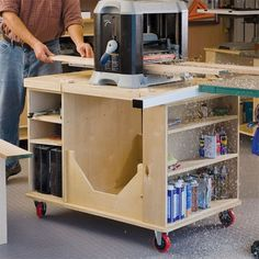 I like the idea but a planer is so heavy and the vibration as it runs is crazy. i don't think I could make it secure enough to feel good about it. Flip-Top Cart Woodworking Plan by Woodcraft Magazine Small Woodworking Shop Ideas, Woodworking Shop Layout, Woodworking For Kids, Woodworking Workshop, Easy Woodworking Projects, Woodworking Furniture, Woodworking Plans, Wood Furniture, Woodworking Basics