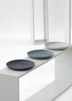 Ceramic plates handmade in Switzerland by Golden Biscotti