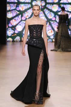 Find tips and tricks, amazing ideas for Tony ward. Discover and try out new things about Tony ward site Couture Mode, Style Couture, Couture Fashion, Tony Ward, Vestidos Fashion, Fashion Dresses, Vogue Dresses, Emo Fashion, Robes Elie Saab